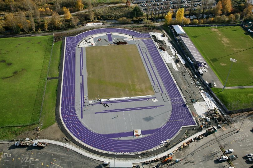 Husky Outdoor Track - Beynon Sports