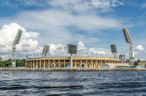 800px-Petrovskiy_football_stadium_in_SPB