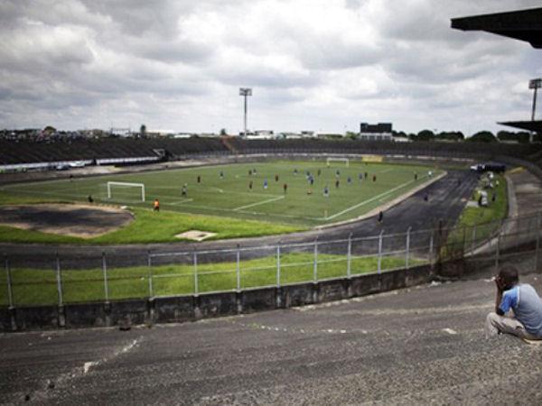 Stade de la Réunification track